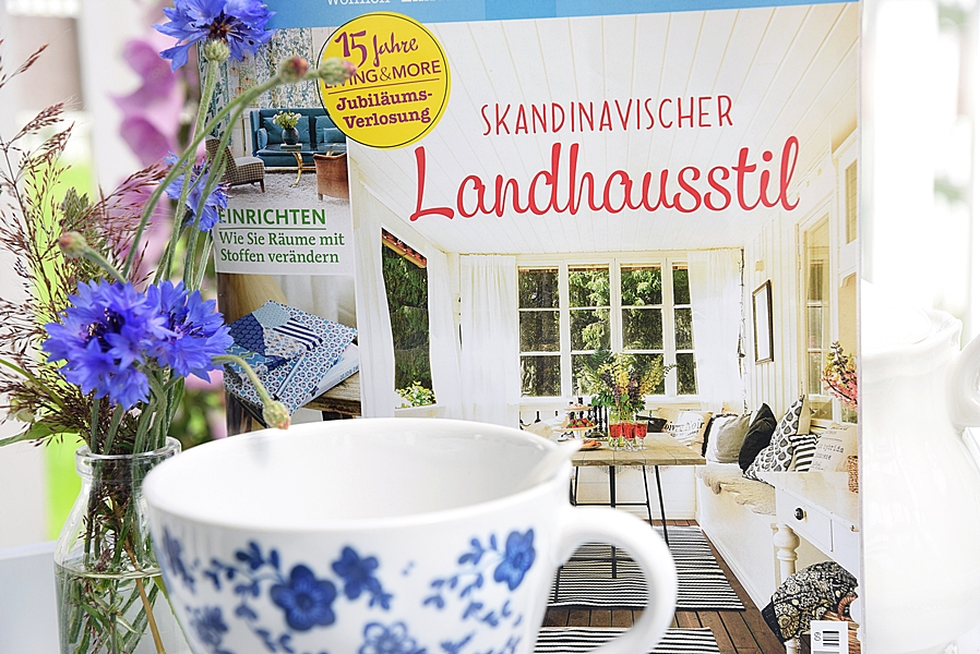 Zeitschrift Living And More living more white and vintage
