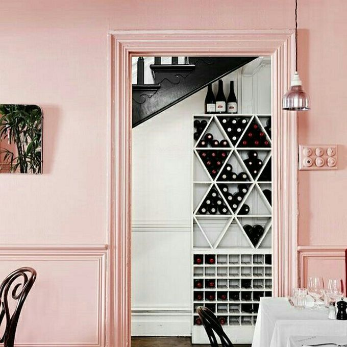Paredes pintadas de rosa millennial para celebrar o outubro rosa