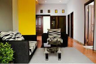 warna cat ruang tamu 2 warna di rumah sempit