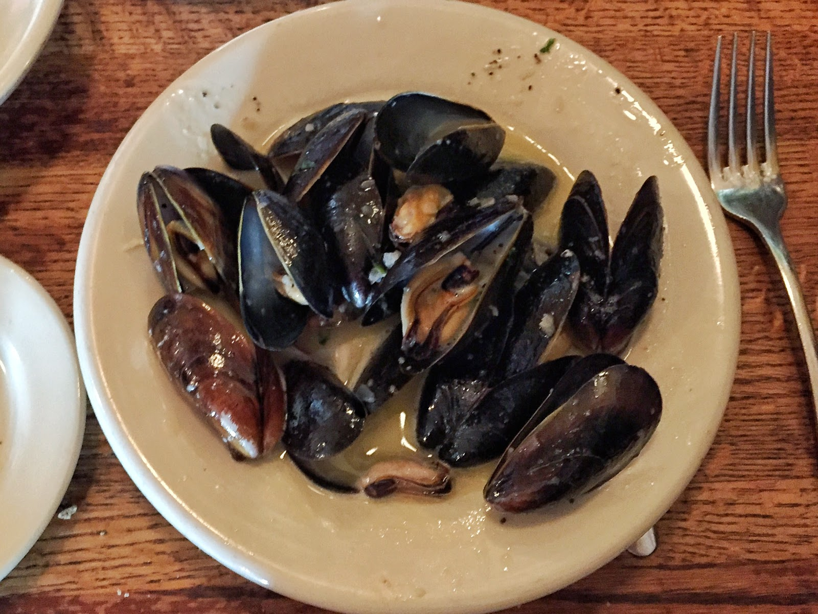 moules mussels mariniere 39 rue de jean downtown charleston restaurant brunch south carolina
