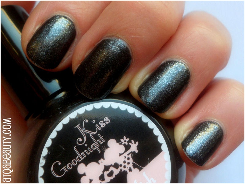 Paznokcie :: Buziak na dobranoc <br>(H&M, Kiss Goodnight Nailpolish)