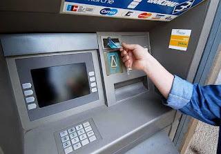 Dai bancomat solo banconote da 50, 20 e 10, perché?