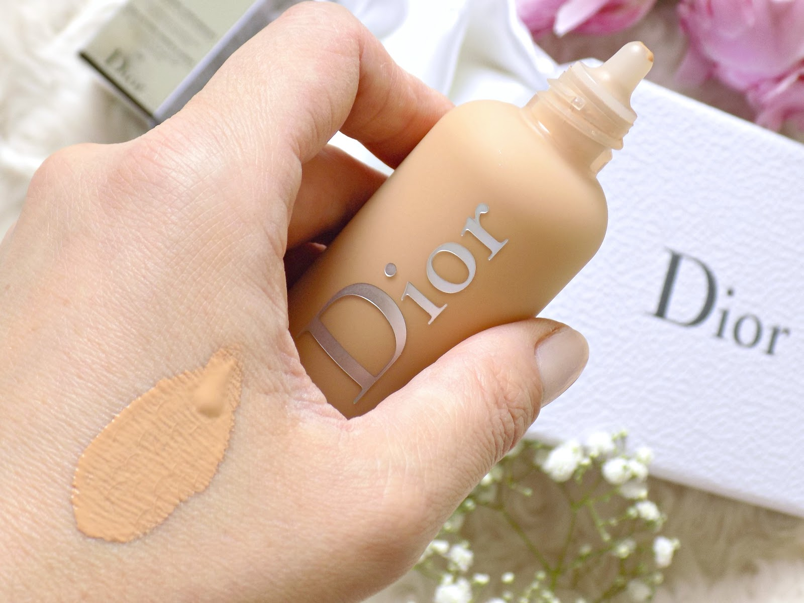 Dior Backstage Face and Body Foundation shade 2W