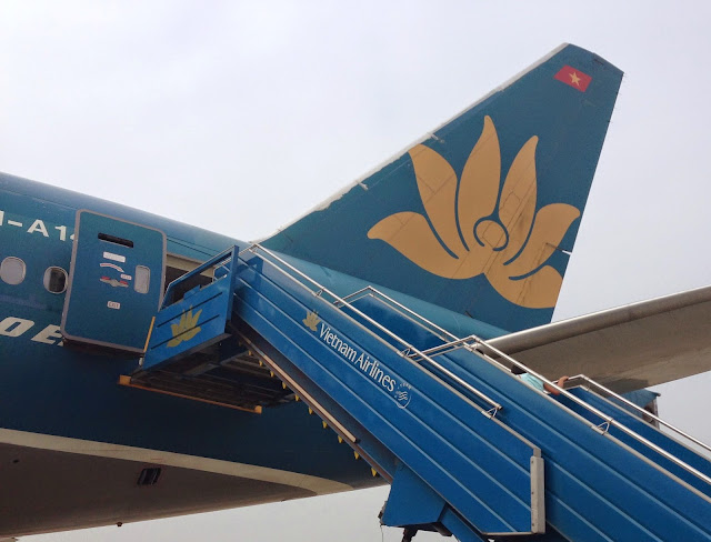 ベトナムエアラインロゴ Vietnam Airlines Logo