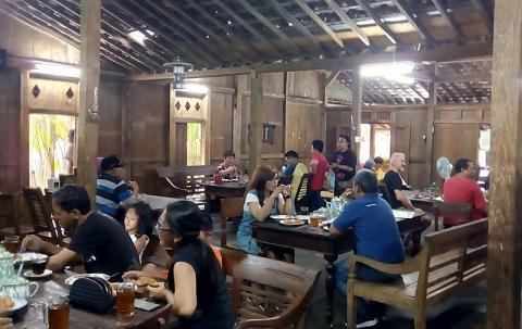 Peluang Usaha Kedai Kopi Ala Cafe Bisikanbisnis
