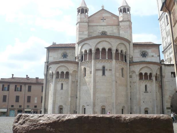 preda ringadora e cattedrale Modena