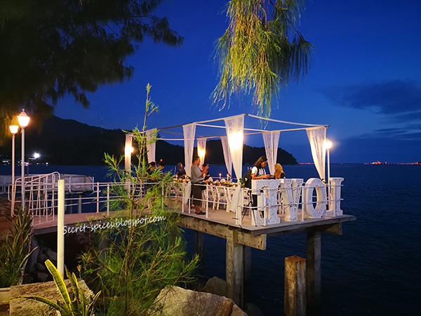 Sunset Romantic Dinner at Lovoyage, D'Pine Cafe at Marina Island Pangkor