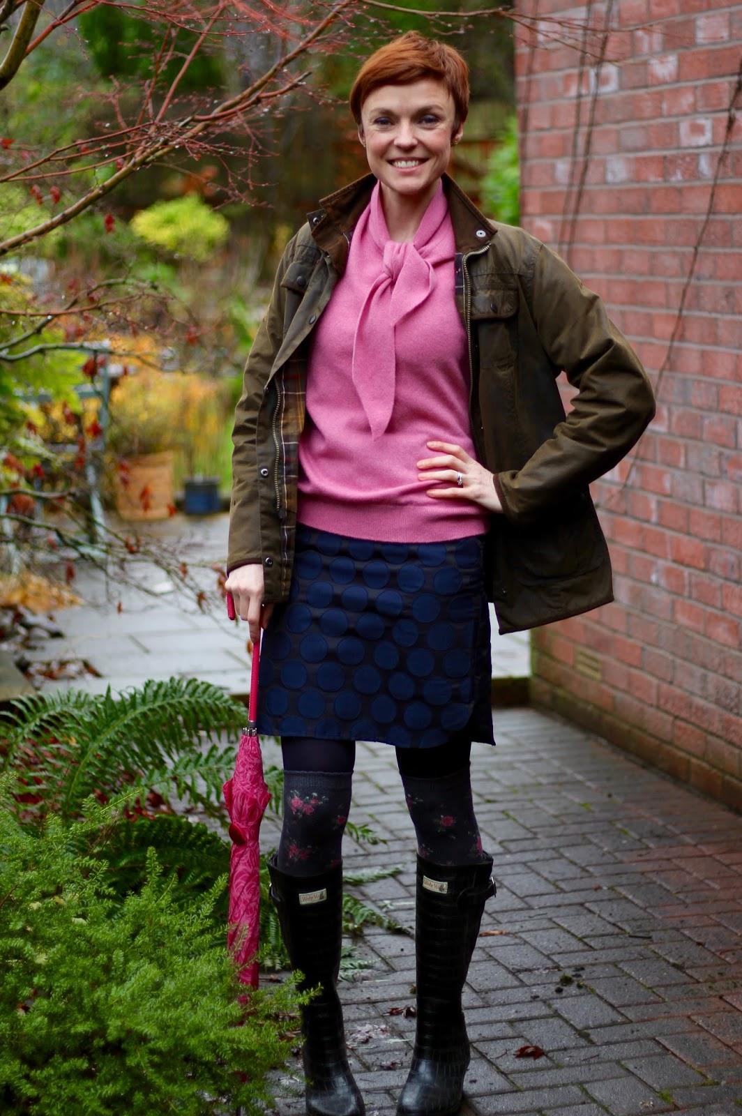 Vintage knit, mini and wellies | Fake Fabulous