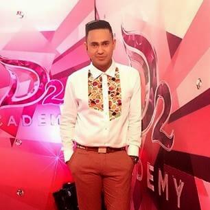 ramzi adalah pemain sinetron dan pembawa acara berkebangsaan indonesia ia lahir di jakarta 23 mei 1976 nama mulai melejit sejak ia menjadi