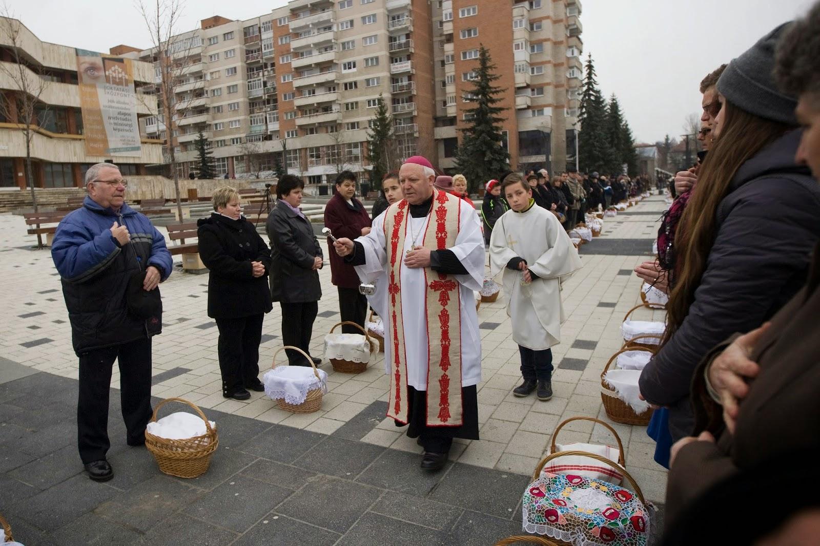 húsvét, ételszentelés, Csíkszereda, Székelyföld, kereszténység, hagyományok, ételszentelés Csíkszereda, ételszentelés 2015