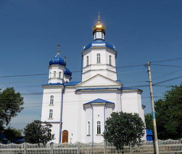 Лужани. Церква св. Іоана Сучавського