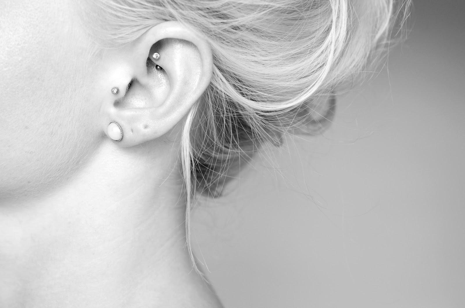 Tragus Ring Piercing