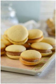 Whoopies  pies de crema de castañas- Bizcochos rellenos de bocado-como hacer castañas asadas- receta de tarta de castañas- propiedades de las castañas- como asar castañas en casa-