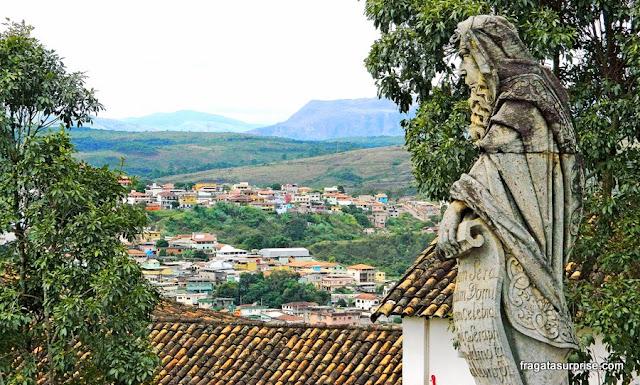 Estátua do Profeta Isaías, de Aleijadinho, na Basílica do Bom Jesus de Matosinho