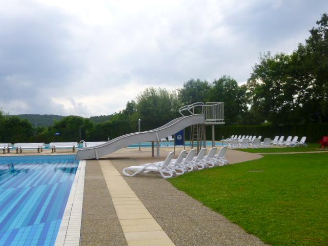das Freibad auf dem Alb-Camping Westerheim