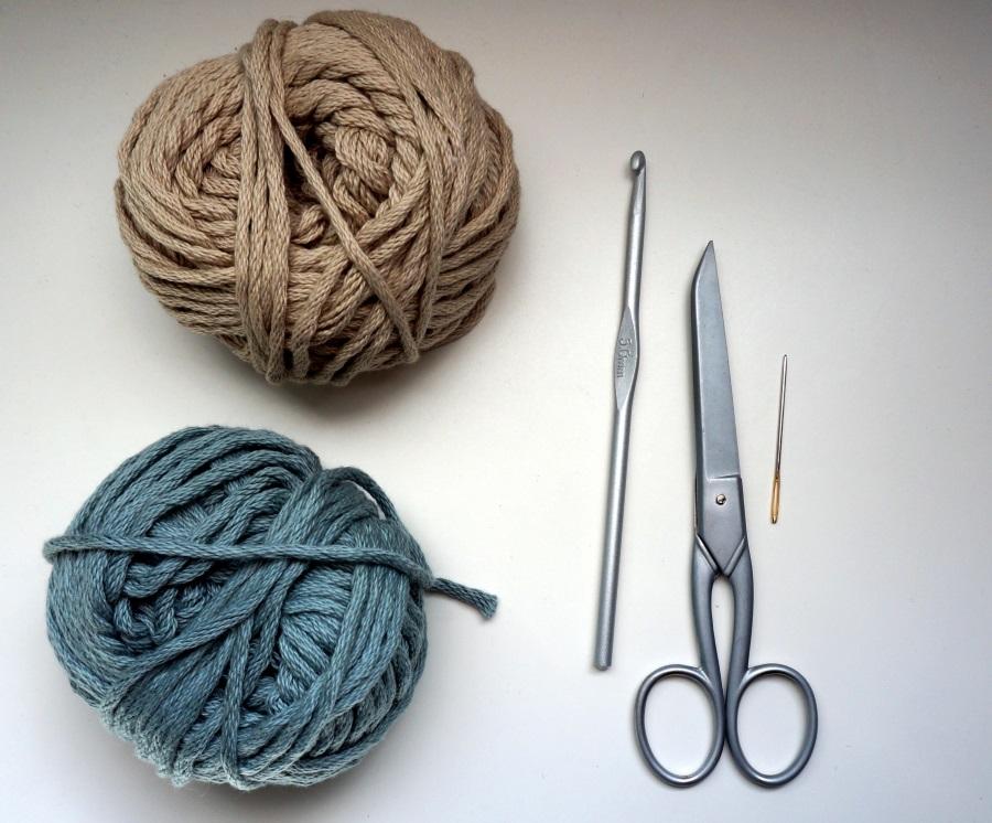 Petite maille le crochet c 39 est pas ringard panier au crochet - Maille coulee au crochet ...