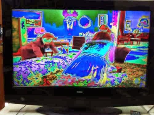 tv lcd con defecto de pantalla solarizada