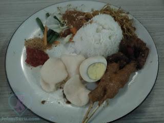 Serunya Makan Bersama Keluarga Di Cimory Riverside Puncak Bogor