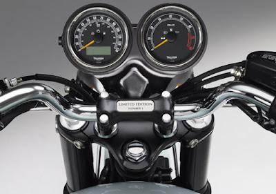 2016 Triumph Bonneville T100 Speed consol