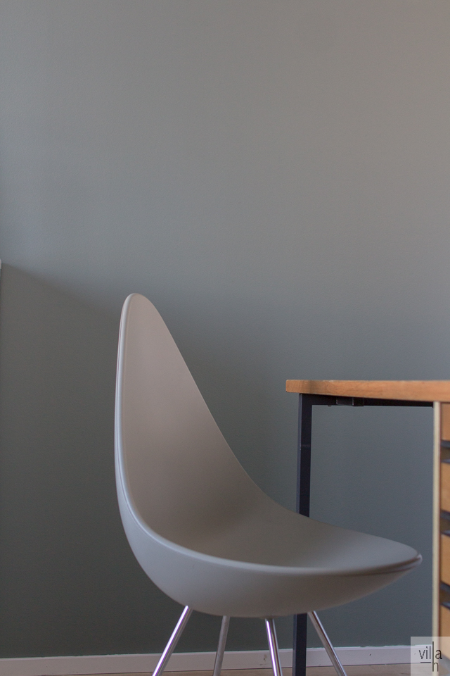 drop chair, arne jacobsen, nefriitti, tikkurila