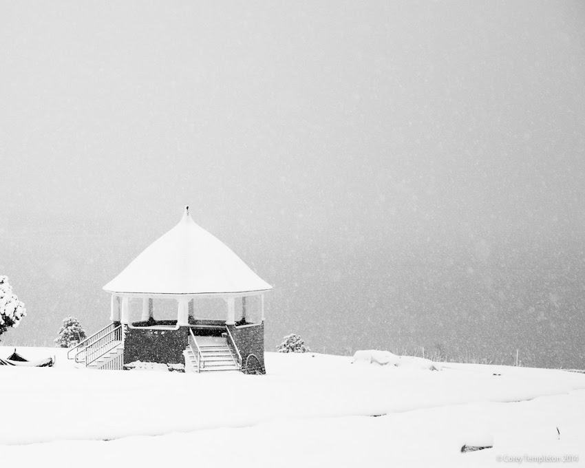Portland, Maine USA January 2014 photo by Corey Templeton. Thursday Throwback to a winter storm in January 2014, from Fort Allen Park. Usually this spot allows for a scenic panorama of Casco Bay.