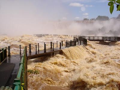 Cataratas do Iguaçu em período de cheia