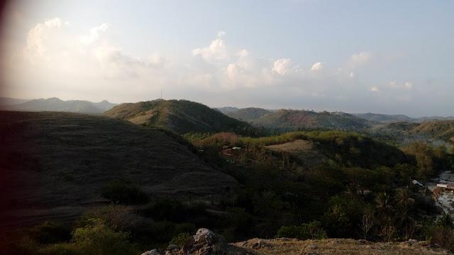http://dorsettpink.blogspot.com/2017/02/travelog-lombok-indonesia-bukit-meresek.html