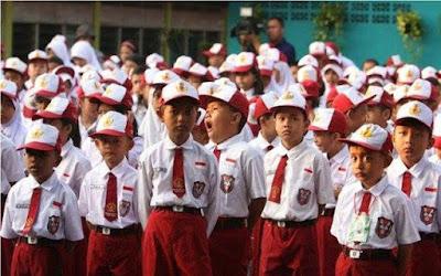 Kebijakan Sekolah Lima Hari Tidak Mengubah Struktur Kurikulum 2013