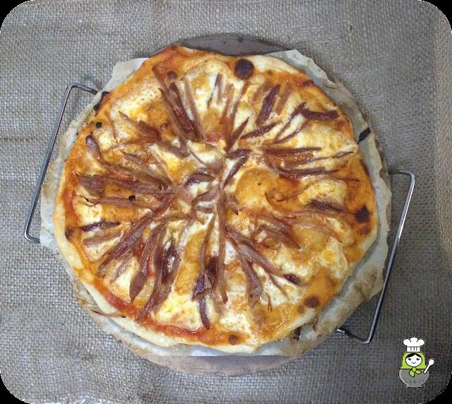 Pizza de lac�n y queso de tetilla