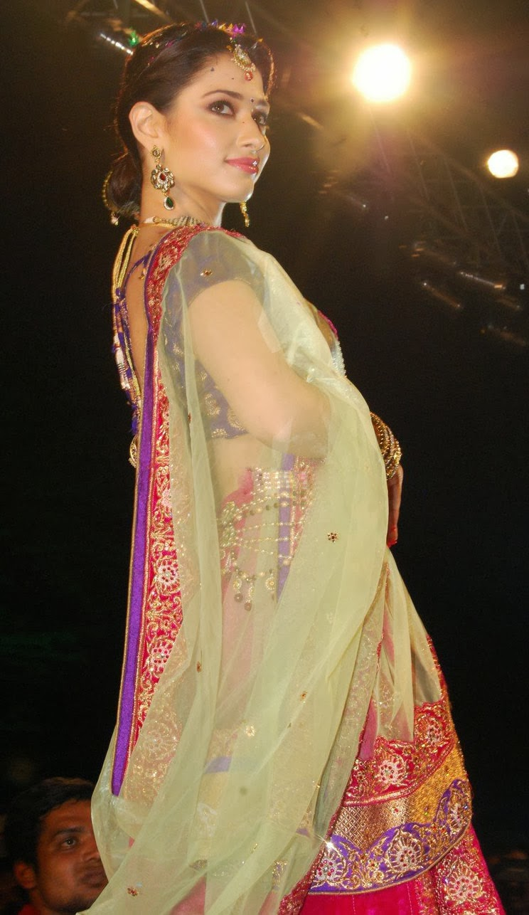 Tamanna Saree Gulte: Tamanna In Saree For Joh Rivaaj Fashion Show