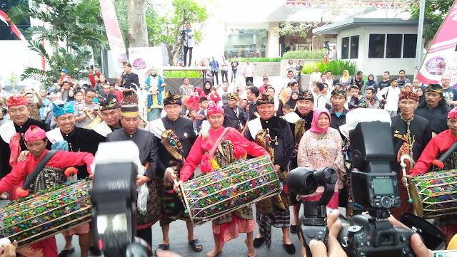 Pesona Lombok Sumbawa Suguhkan Kearifan Lokal