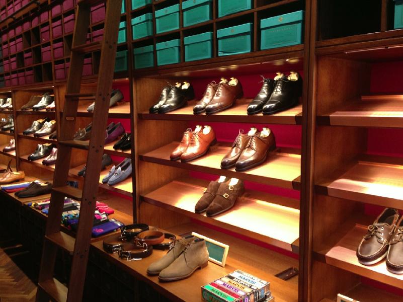 7a285e682e8 Confira onde comprar sapatos masculinos em Orlando. Outlets e Shoppings em  Miami e Orlando
