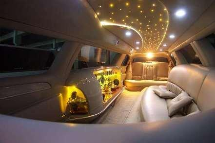 AUTOFLOOR 303: Lamborghini limousine interior