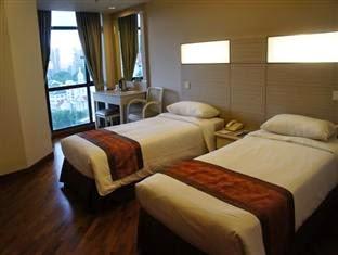 terdapat beberapa hotel murah yang sanggup menjadi pilihan menginap Anda 5 bersahabat Orchard Road