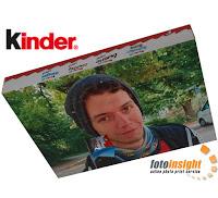Fotocalendario dell'Avvento kinder® con sorprese di cioccolato kinder® Bar Mini, kinder Cereali®, kinder Bueno® e kinder Schoko-Bons®, nei formati A4 e XXL con orientamento verticale o orizzontale.