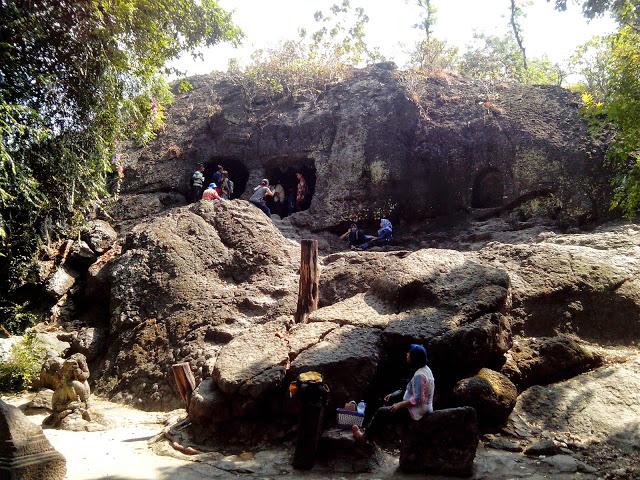 Gambar Goa Selo Mangleng