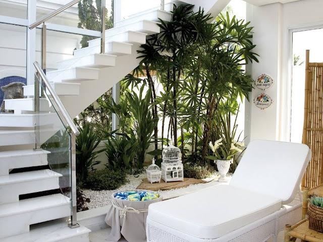 jardines interiores debajo de la escalera by