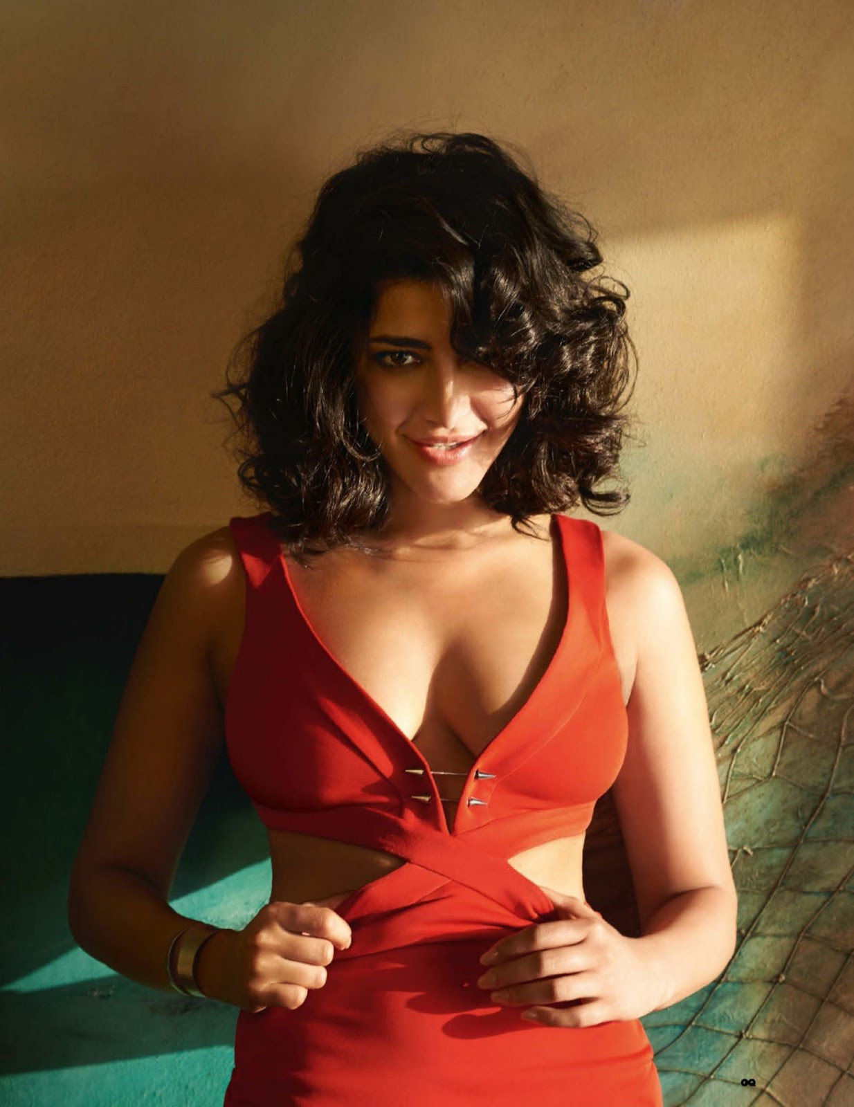 Shruti Haasan back to Square one!Shruti goes back to roots!