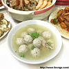 Chicken soup with homemade meat balls 贡丸鸡汤