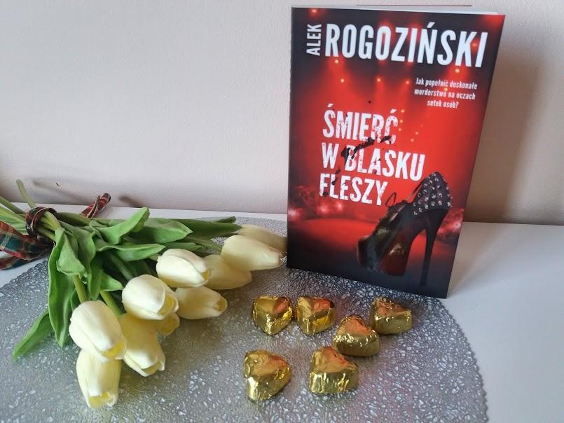 """Miej oczy szeroko otwarte: """"Śmierć w blasku fleszy"""" - Alek Rogoziński"""