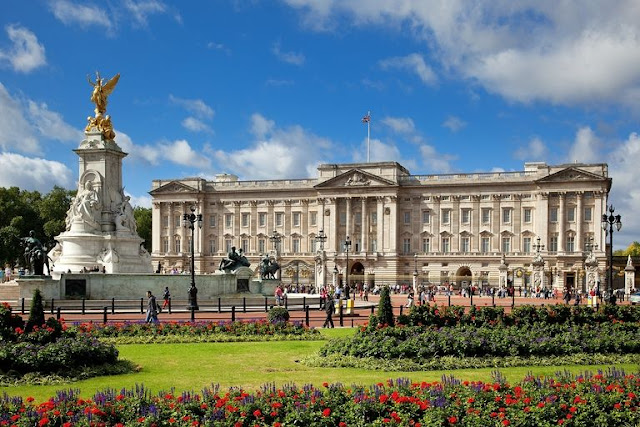 Prince George and Princess Charlotte will probably never live at Buckingham Palace