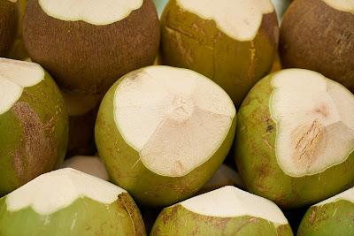 Cara Memanjangkan Rambut Dengan air kelapa