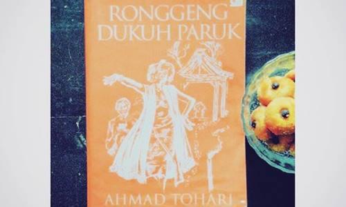 Trilogi Ronggeng Dukuh Paruk Karya Maestro Ahmad Tohari