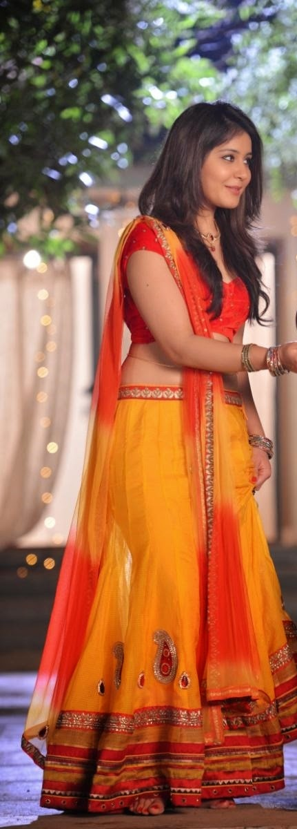Raashi Khanna hot spicy photo gallery