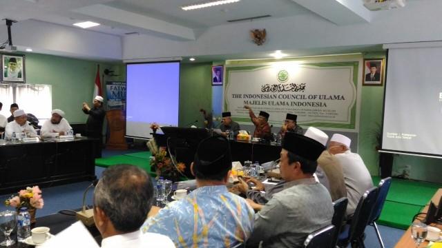 Pendapat-dan-Sikap-Majelis-Ulama-Indonesia-terkait-Penistaan-Agama-oleh-Ahok