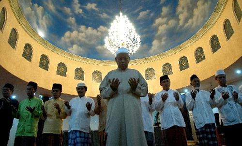 Bacaan Doa Qunut Subuh Nazilah Pendek Latin Dan Artinya Untuk Imam