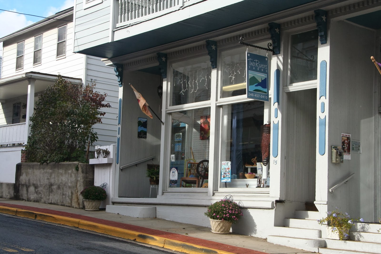Two Rivers Yarn Store Exterior