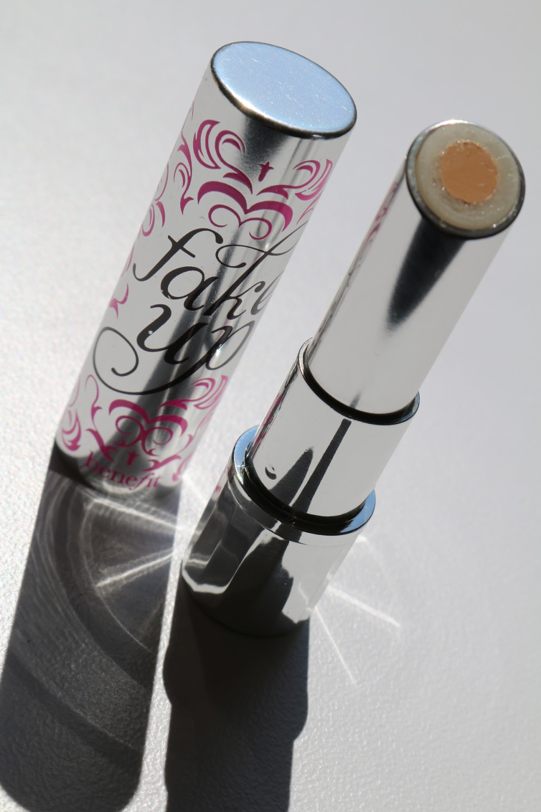 Concealer Creasing: Beauty Shout Box: BENEFIT FAKE UP HYDRATING CREASE CONTROL
