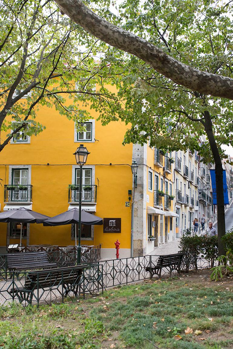 fin-de-semana-lisboa-edificios-amarillos