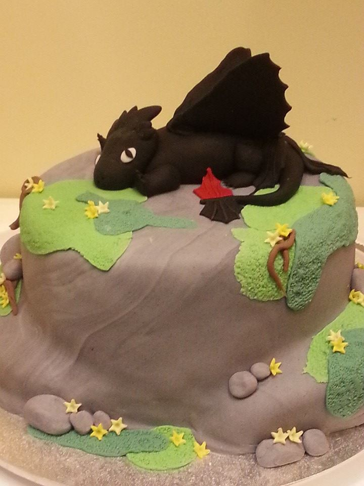 How To Train your Dragon Cake by Leanne Clarke